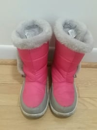 Girls boots size 3 Scarborough, M1S