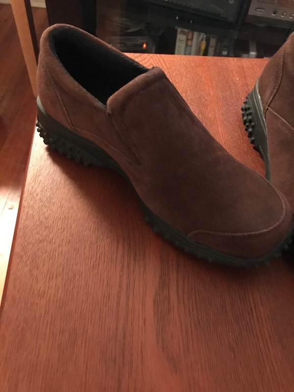abd25c5bd28 Used Brown totes shoes. Size 6 1 2.New never worn for sale in ...