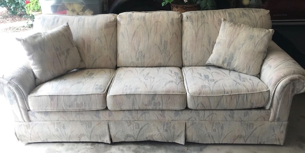 used cream colored fabric 3 seat sofa with a hide a way for sale in jefferson letgo. Black Bedroom Furniture Sets. Home Design Ideas