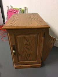 Natural wood nightstand with book/magazine space Orlando, 32808