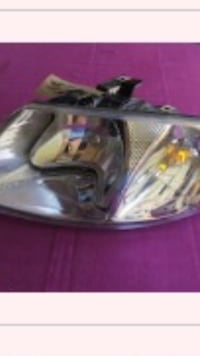 07 Dodge Caravan HeadLight  Hanover, N4N 2Y5