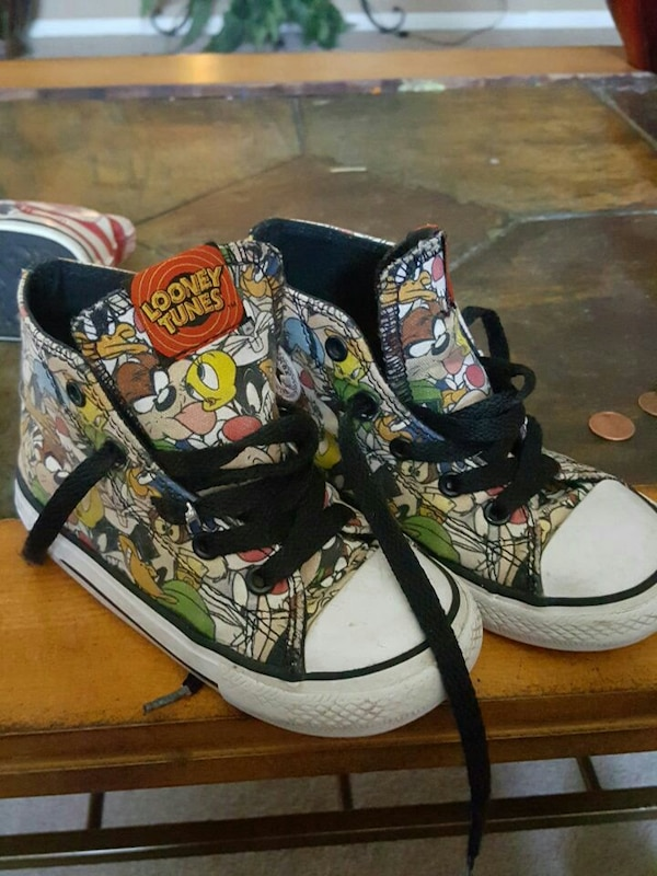 b9841d3ba0f Used Converse Looney tunes toddler size 9 for sale in Danville - letgo