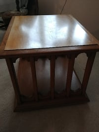 Hekman coffee table and  matching end table set  WOODRIDGE