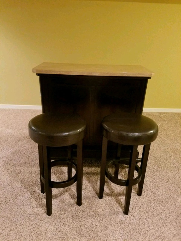 used bar with stools for sale in powhatan letgo. Black Bedroom Furniture Sets. Home Design Ideas