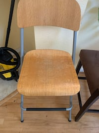 Free wooden barstool style chair