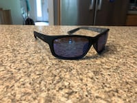 black framed Ray-Ban wayfarer sunglasses
