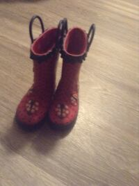 Girls lady bug rubber boots size 5 toddler Hamilton, L8E 1G5
