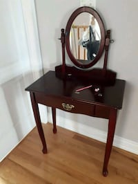 black wooden vanity table with mirror Richmond Hill, L4E 4H6