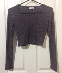 Aritzia Wilfred Free V-Neck Long Sleeve Port Coquitlam, V3B 7W5