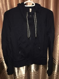 Never worn - Lululemon Jacket (Women's)  Burnaby