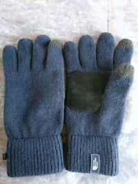 North Face Gloves Seattle, 98133