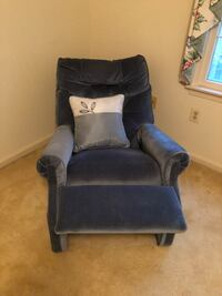 black and gray fabric sofa chair