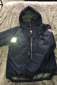 Brand new Canada goose size M price in store 850$ Vaughan, L6A 4E9