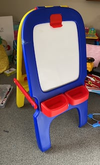 Crayola Easel Chalk/Dry Erase/Magnet/Painting