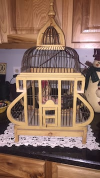 Wooden birdhouse. It can be used for birds or decoration! 175 mi