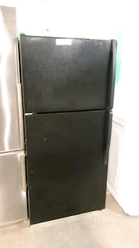 Special whirlpool top and bottom fridge