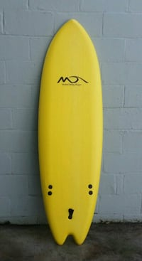 yellow and black surfboard with paddle Norfolk, 23505