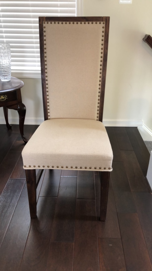 Dining Room Chairs 37b3ff56-9db8-4d50-af59-441ee0e95de5