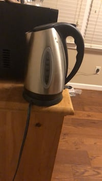 gray and black electric kettle Sterling, 20165