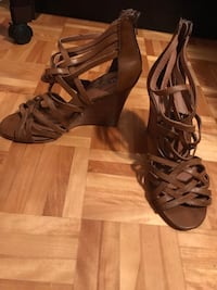 pair of brown leather open-toe gladiator sandals Montréal, H1M 3E8