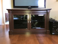 TV stand  Mississauga, L5N 8M2