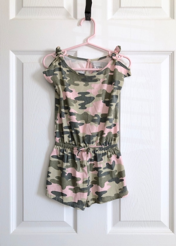 Toddler girl's camo romper size 3T