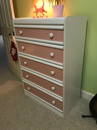 Dresser with changeable front drawers color panels