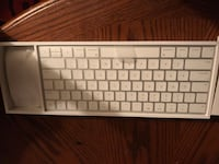 Apple keyboard and mouse Wauwatosa, 53226