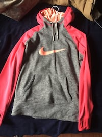 gray and red Nike pullover hoodie South Frontenac, K0H