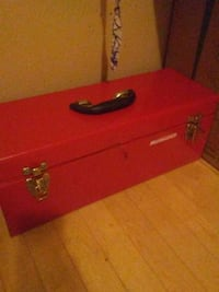 red mastercraft tool box Ottawa, K1V 9G2