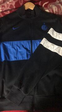 Black nike zip-up jacket