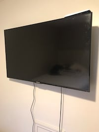 """Hisense 50"""" tv smart* full motion wall mount included Taylor, 48180"""