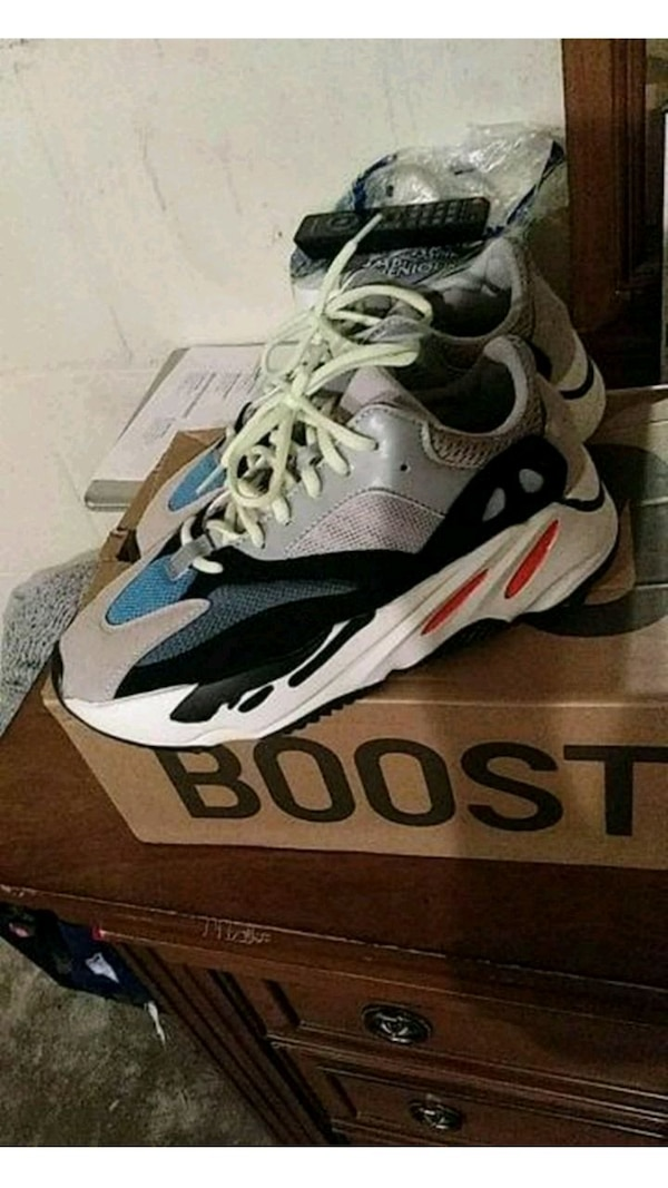 competitive price 01d89 fead8 adidas Yeezy Wave Runner 700 Solid Grey