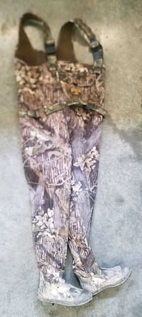 Waders chest high size 9