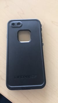 black Lifeproof iPhone case Lethbridge, T1K 7Y9