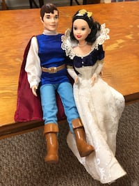 Disney Snow White Doll Set Montgomery Village, 20886