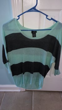 Black and green striped long-sleeved shirt Chattanooga, 37343
