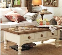 Pottery Barn Farmhouse Coffee Table El Segundo, 90245