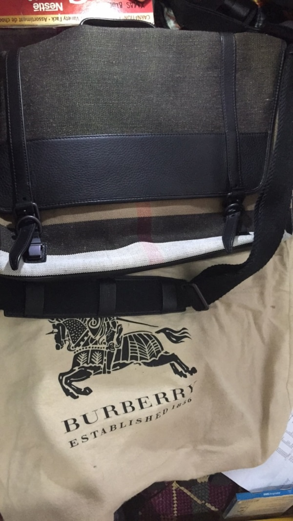 Used Authentic Burberry messenger bag for sale in Manila - letgo 45909bb5175e7