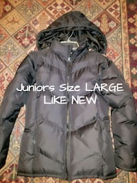Juniors size Large Coat Like new Fayetteville, 28306