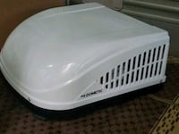 white and black plastic pet carrier Smithsburg, 21783