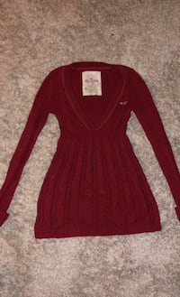 Hollister cute sweater size extra small Islip Terrace, 11752