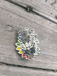 silver-colored Grateful Dead glow in the dark pin Worcester, 01606