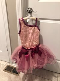 New dance recital tutu~ Brand new costume my daughter quit due to being shy and we had already ordered. Size 4T-5T. Originally $65 from Dance Expressions. Lexington, 40509
