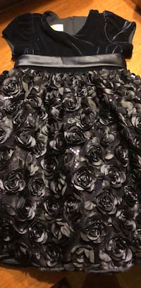 black and white floral textile Fairview Heights, 62208