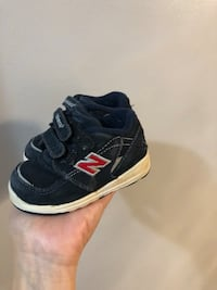 Size 4 new balance kids shoes