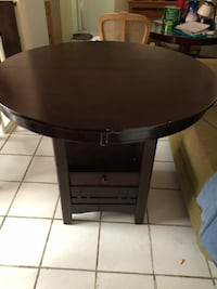 round black wooden coffee table Miami, 33137