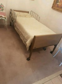 electric hospital bed Pickering, L1V 1B8