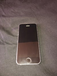 Boost Mobile iPhone 5s and Charging Case New York, 10001