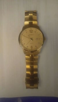 round gold analog watch with link bracelet Teaneck, 07666